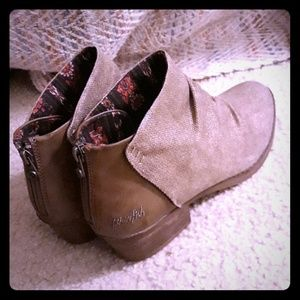 NWOT Blowfish heeled boots **OFFER**
